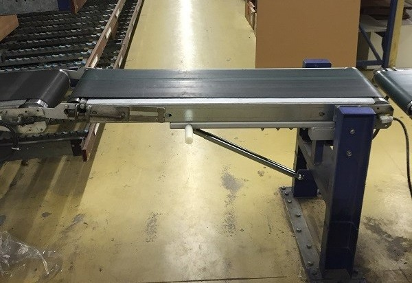 Gas spring is used to hold up a conveyor belt
