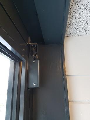 DICTATOR type 1400 nu ook geschikt voor aluminium- en kunststof deuren