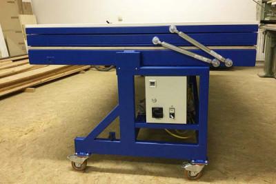 Vacuum veneer press